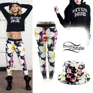 Married to the Mob Tropical Fantasy Sweat Pants- L